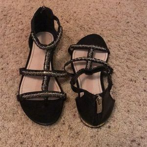 Vince Camuto Black embroidered sandals.